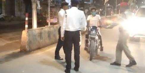 यातायात पुलिस ने वसूला 4 लाख 95 हज़ार का जुर्माना