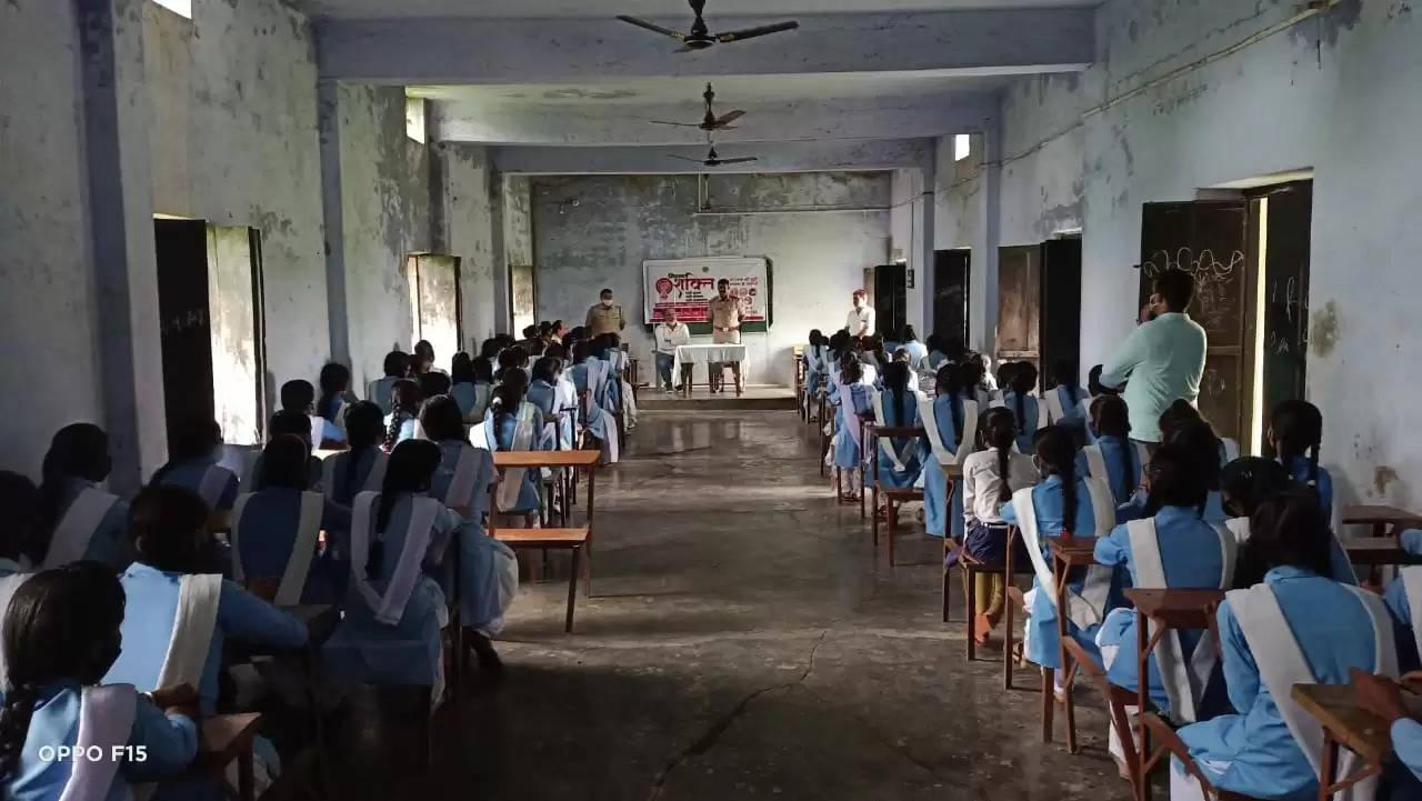 Women constables made girl students aware