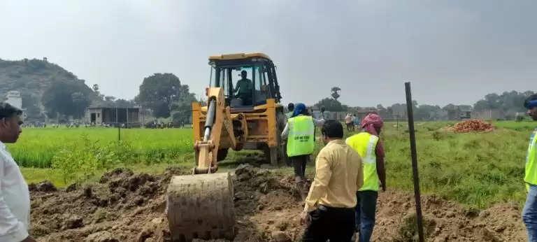 SDM Meena freed illegal land registry