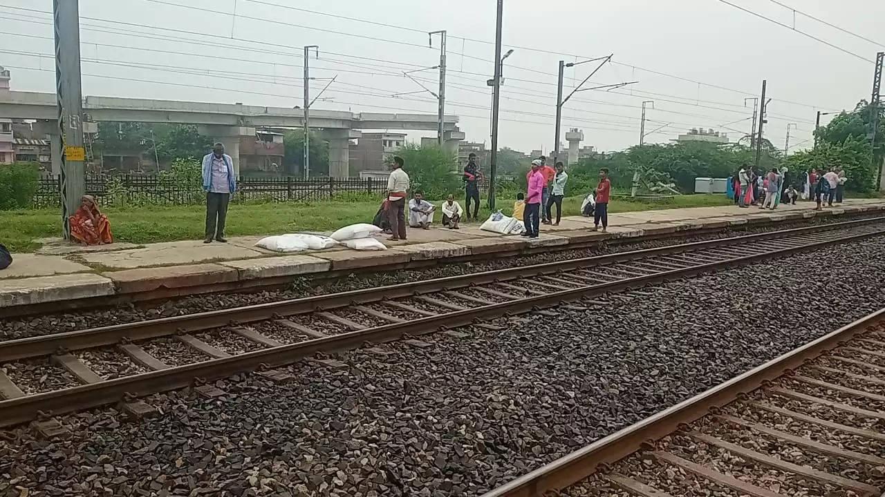 UP Fertilizers going Bihar By Trains