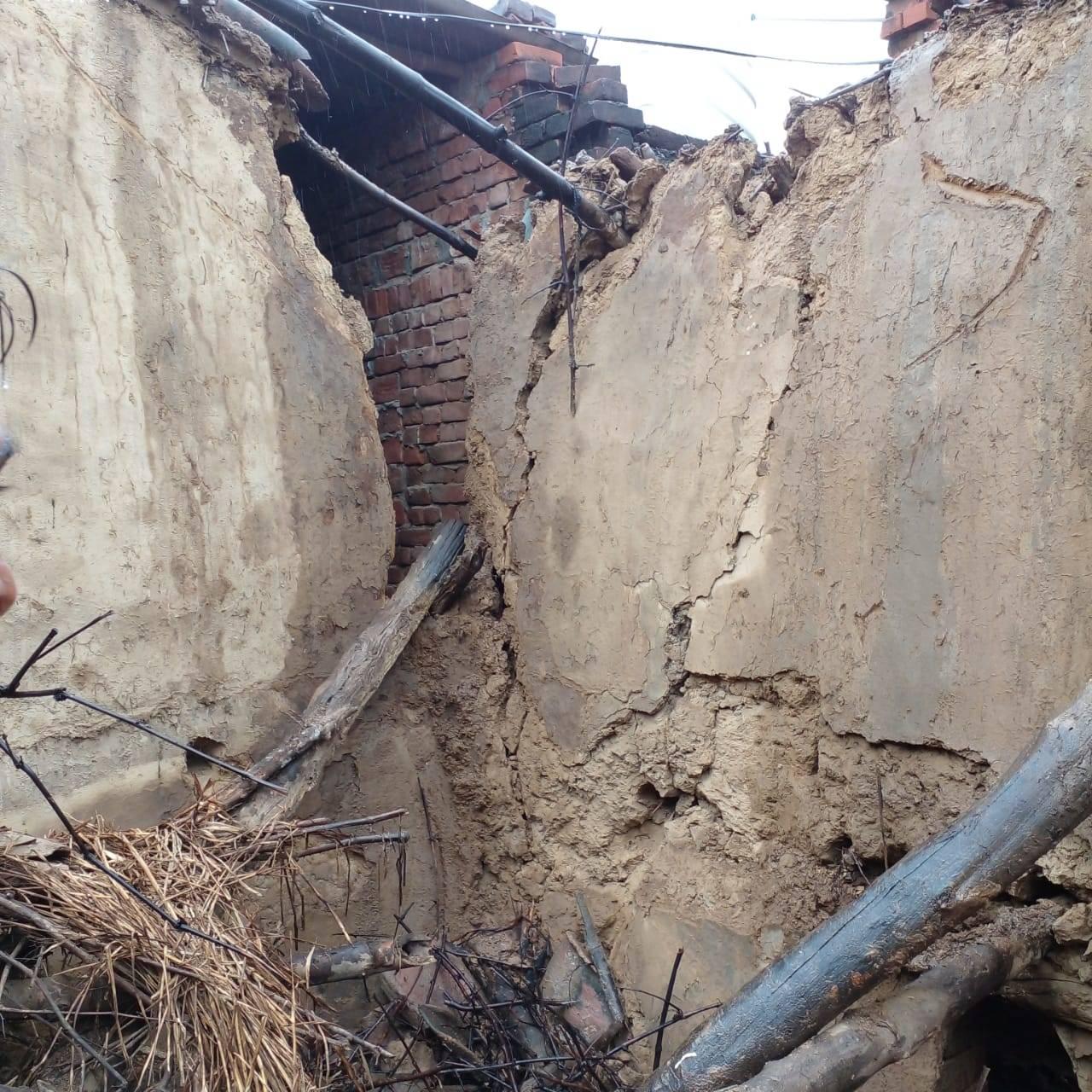 manoj shrama house collapsed in rain