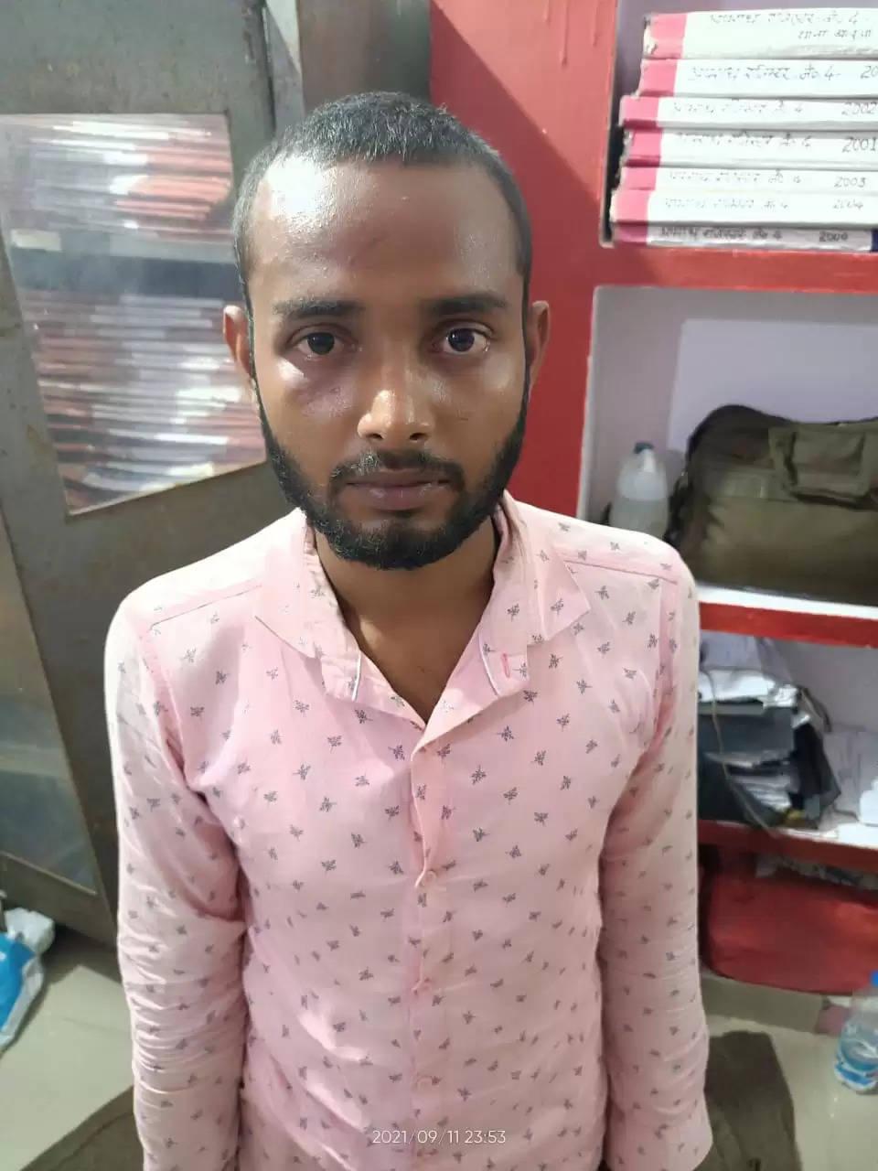 Balua police arrested Manish Kumar
